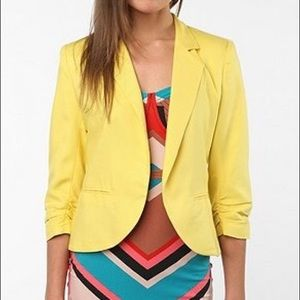 Sparkle & Fade yellow cropped ruched sleeve blazer