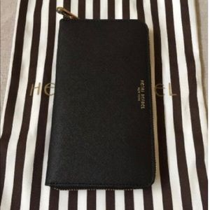 Henri Bendel West 57th Zip Continental Wallet