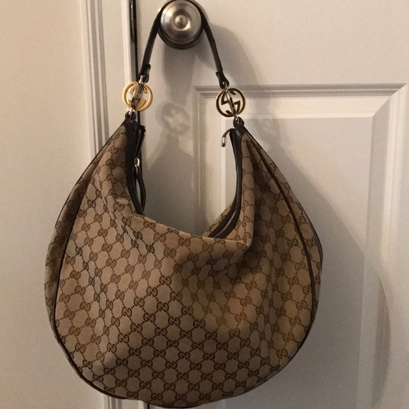 Gucci Handbags - Authentic Gucci bag.