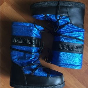New Moschino Glitter Blue Moon/Snow Boots