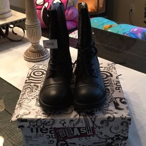 Shoes - NWT Womans combat boots