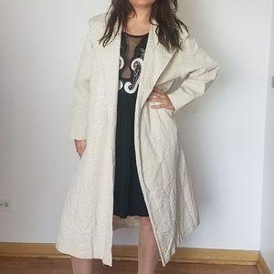 Vintage classic embossed cream coat