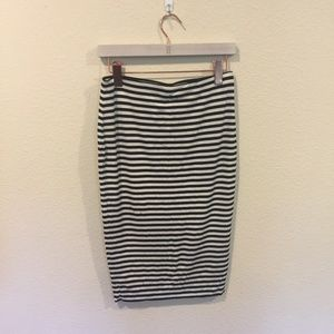 Vince Camuto black and white stripe pencil skirt
