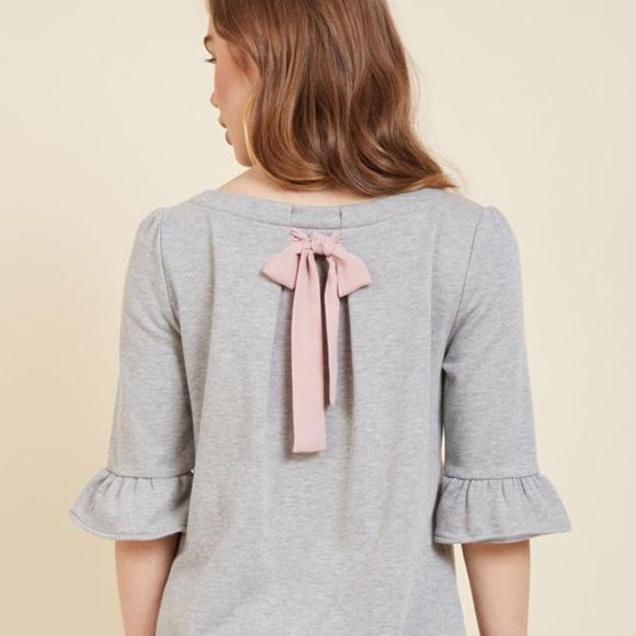 Modcloth Sweaters - Heather Grey Bow Sweater