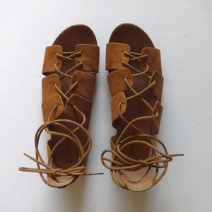Divided Lace Up Gladiator Sandals
