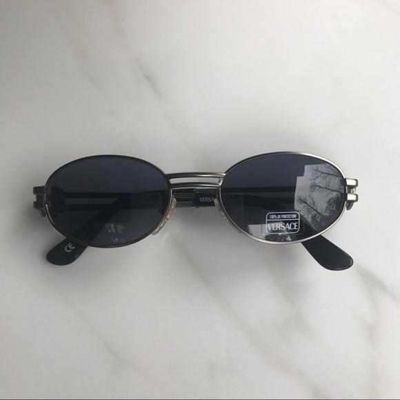 0fa1069c186e Gianni Versace S41 948 Vintage Sunglasses. M 5a26ddc95c12f8d6060217cf