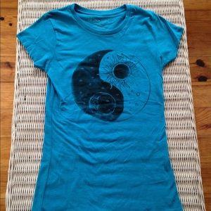 Blue yin yang tee shirt