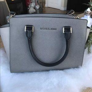 Handbags - Michael Kors Selma Medium Saffiano Leather bag cf573e614df