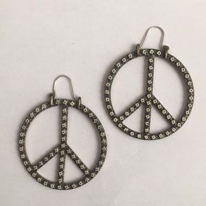 Lucky Band  peace earrings