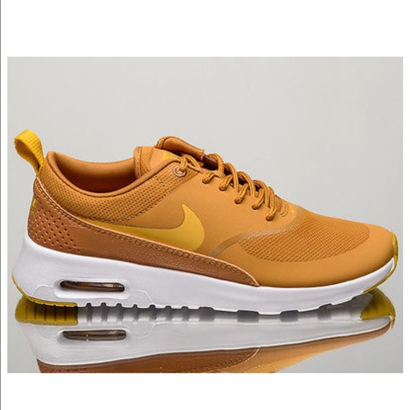 competitive price 57807 91664 Nike Women's Air Max Thea Like New Mustard yellow