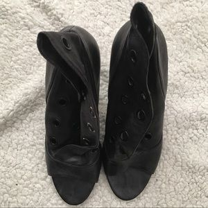 Report Signature Black Leather Bootie