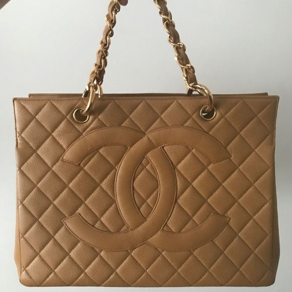 e7f53d1168b4 CHANEL Handbags - Chanel quilted caviar leather GS tote chain handle