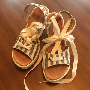 Born handcrafted footwear sandal wedge with lace