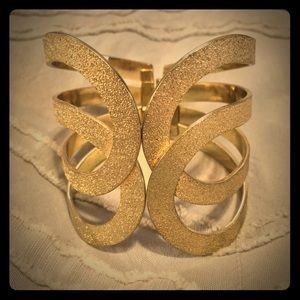 Jewelmint Gold Cuff