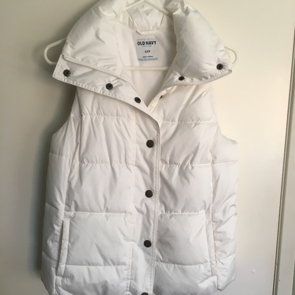 Old Navy Jackets & Blazers - Old navy puffer white vest. Small