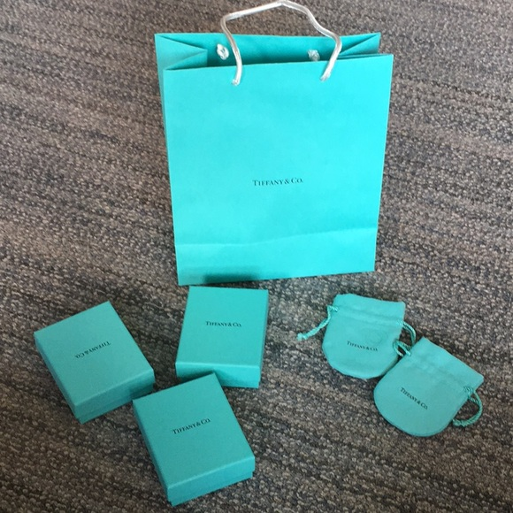 76c54e0c653 Tiffany   Co packaging bundle. M 5a2708f8bcd4a7c941004fc3. Other Accessories  ...