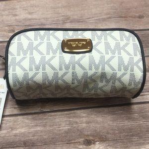 NWT Michael Kors ABBEY travel pouch