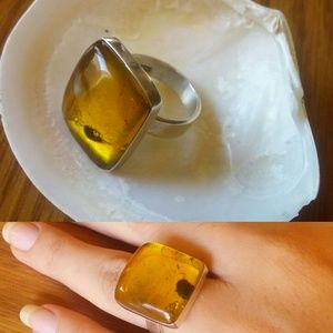 Jewelry - Square honey ambar silver ring