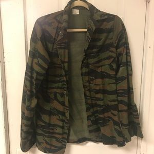Urban Outfitters Camo Jacket size Small