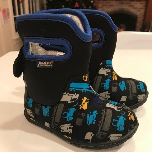 43cebaa2c8 BOGS Toddler Boy Waterproof Boots, Size 6