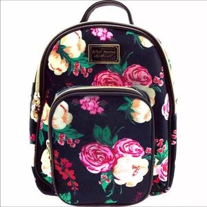 Betsey Johnson Mini 🎒