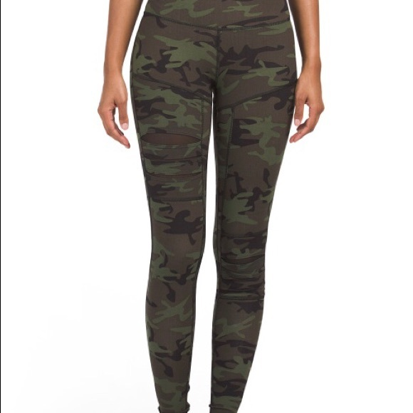 9155a4b7a9fb6 Jessica Simpson Pants | The Warmup Camo Leggings S | Poshmark