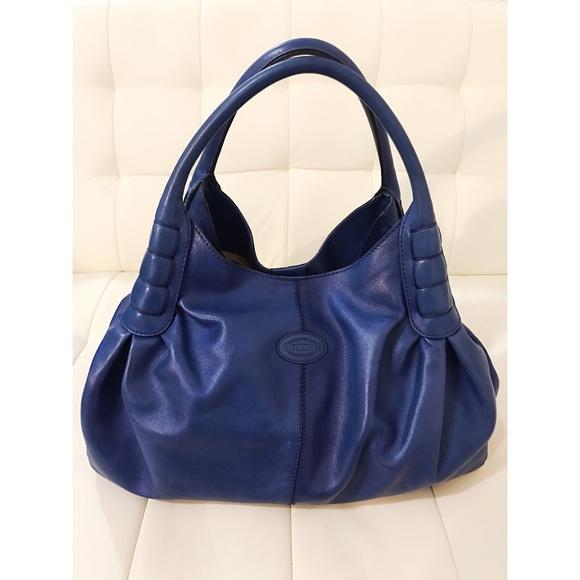 58faf2322df Tod's Blue Sacca Media Calf Leather Shoulder Bag. M_5a27221d2ba50a6a3e00ae3e