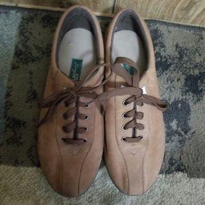 Easy spirit shoes