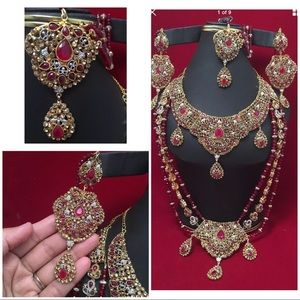 Jewelry - NWOT Indian Bridal jewelry set final price !!!