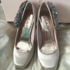 f9467f8f7402 David s Bridal Shoes - Gold   Taupe Satin Wedding Shoes Size 6