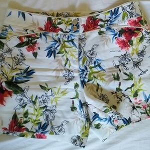 WH BM print shorts