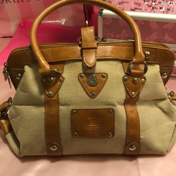 8816be763bf LOUIS VUITTON Handbags - RARE LOUIS VUITTON VINTAGE HANDBAG 👜