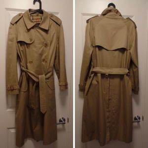 Burberry Jackets & Coats - Burberry Classic Belted Khaki Trench, 40 reg