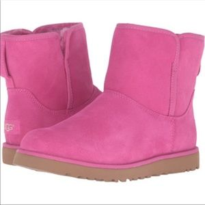Ugg Cory Slim Ankle bootie • furious fuchsia