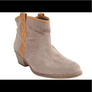 Steve by Steve Madden Noland Ankle Booties