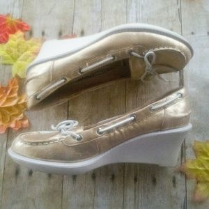 🌹🌷🌷SPERRY  WEDGES🌷🌷