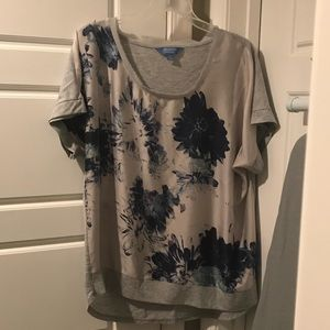 Beautiful Simply Vera Floral Top