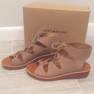 New Lucky brand hipsta wedge sandal