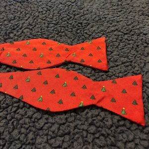 Brooks Brothers Red Christmas Tree Bow Tie