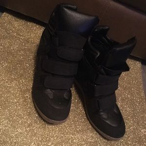 Shoes - Black  Velcro Booties / Tan Man Made Sole /