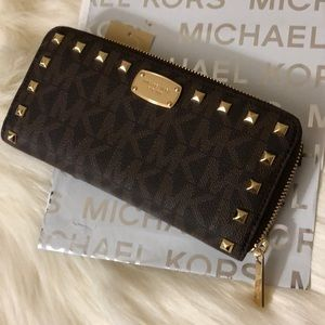 Brand New Michael Kors Wallet Large Studded