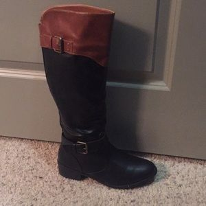 Rampage Black and Tan boots