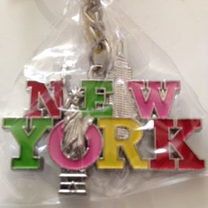 "Accessories - ❤ ""New York"" w/ Statue of Liberty Keychain"