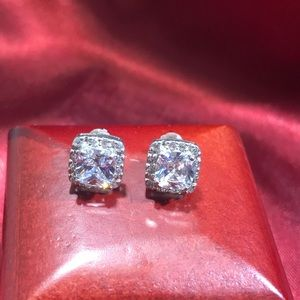 Sterling Silver Cubic Zirconia Earrings 🤩