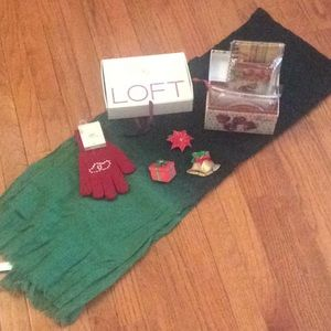 🆕 LOFT scarf + gloves +3 magnets + recipe box set