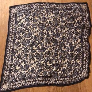 Accessories - Handkerchief / Scarf