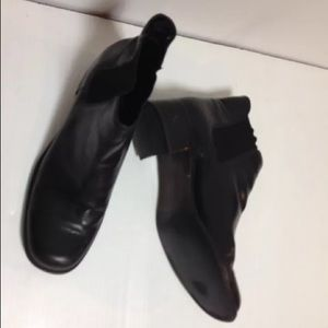 Talbots black ankle boots 7 1/2 B