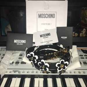 NWT Moschino Couture! Flower B&W belt