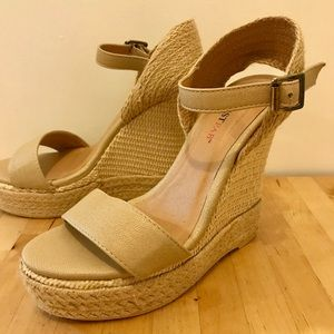 Faux rope/ leather wedges