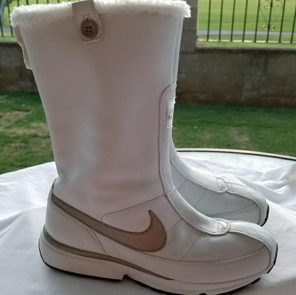 59e42db36c Nike Snow Boots. M 5a277b10f0137d5358027adb